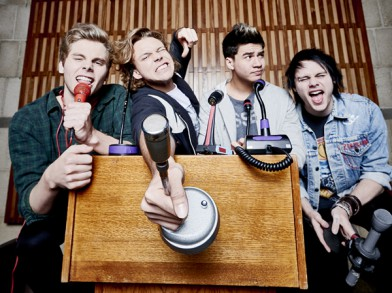 5sos announce new single and tour on radio 1s live lounge pop the biggest breakthrough band of 2014 5 seconds of summer have today announced the release of their latest single hey everybody out october 9th through m4hsunfo